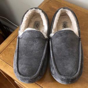 Men's UGG slip on slipper shoes
